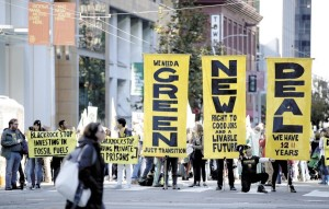 Photo: Justin Sullivan Getty Images / Agence France-Presse Une manifestation pour le climat devant les bureaux de BlackRock à San Francisco en décembre dernier
